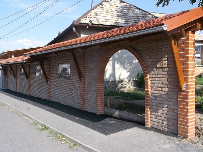 Központi buszmegálló