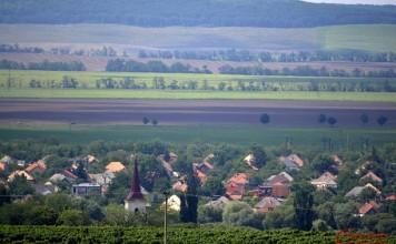 Kürti tájkép
