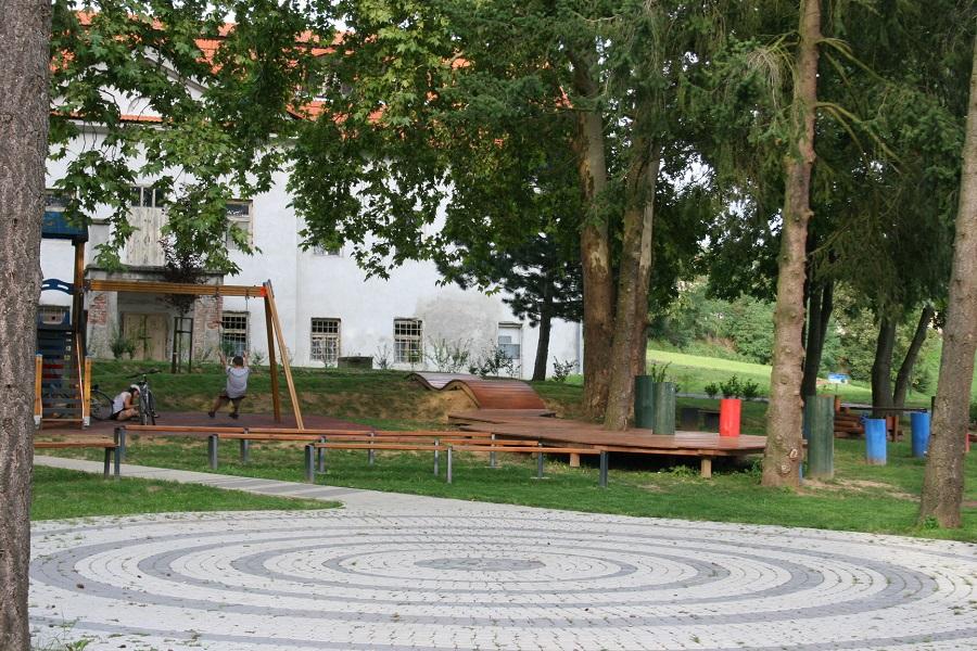A kialakított park egy része