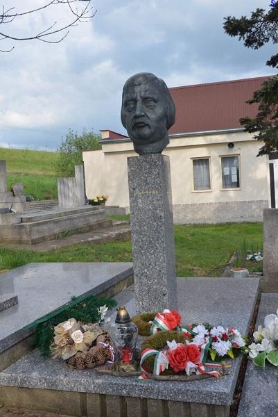 Bacskai Béla sírja