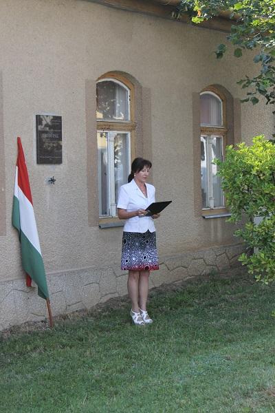 Krompasky Marianna szavalja Fecsó Pál Gyökér lettél című versét