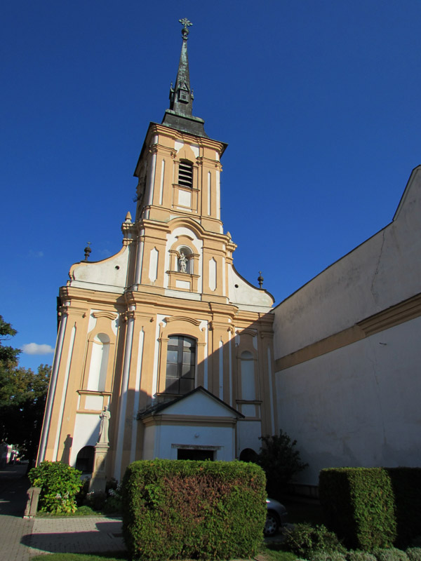 A Ferenc-rendi templom főhomlokzata