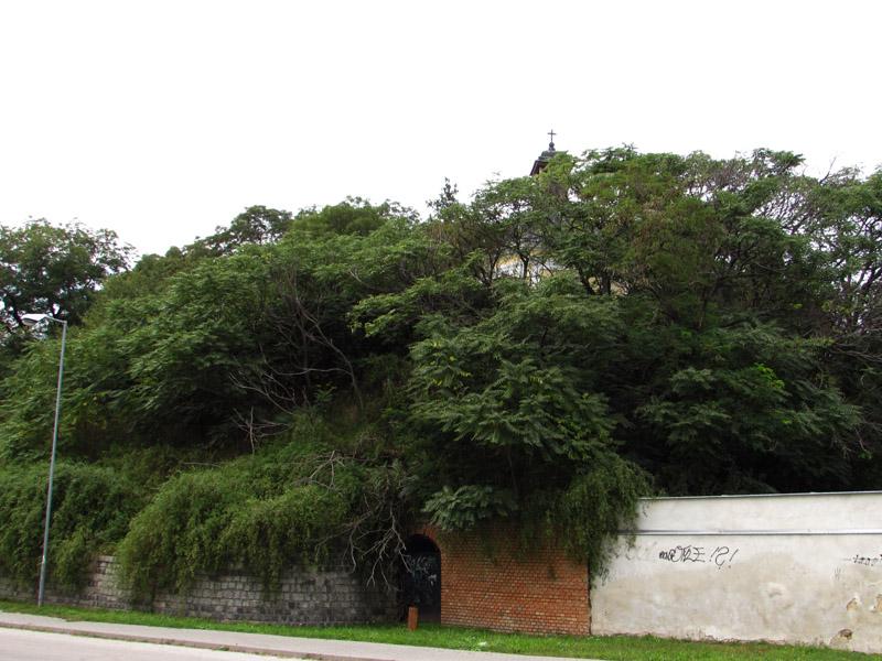 A Kálvária és az egykori Frogách bástya dombja