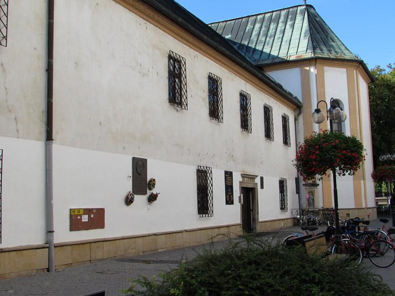 A kolostor bejárata