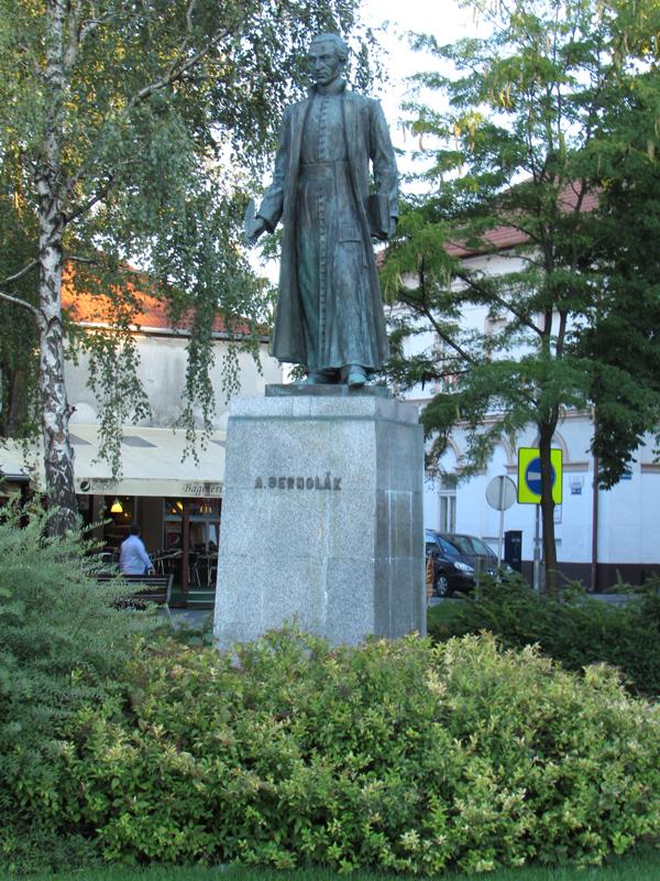 Bernolák Antal szobra
