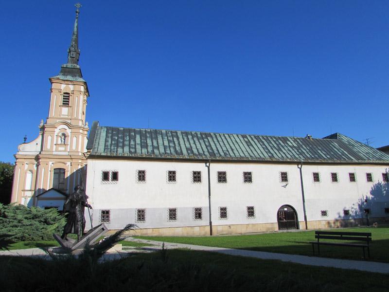 Ferenc-rendi Templom és a Kolostor épülete