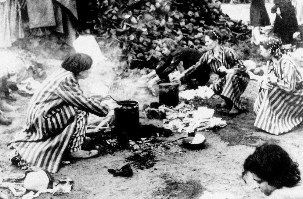49211 cigány asszonyok Bergen-Belsenben