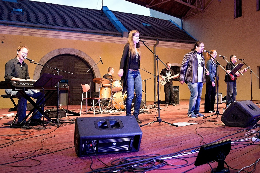 49254 Magyarock Musical Band