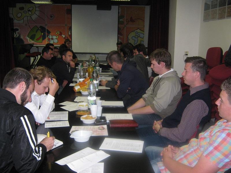 A VIA NOVA ICS Lévai Járási Szervezete konferenciája résztvevői tanácskozás közben