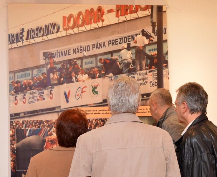 Kiállítás látogatói