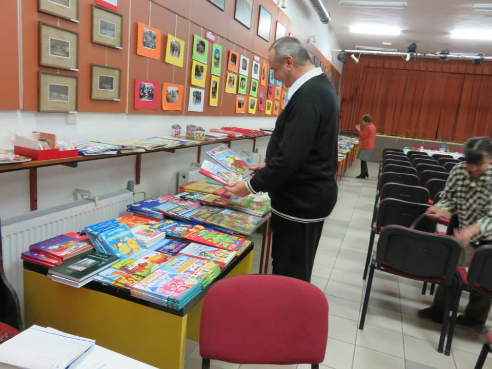 Könyvásár érdeklődői