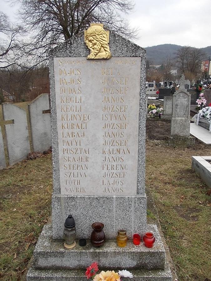 A II. világháborús hősi emlékmű. Csáky K. felv