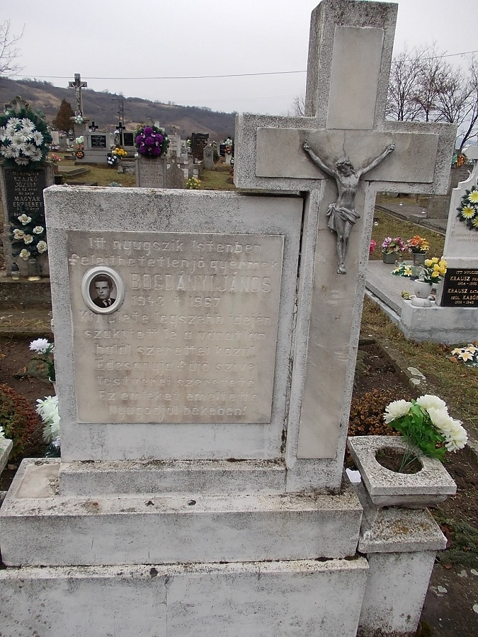 Bogdányi János sírköve. Csáky K. felv