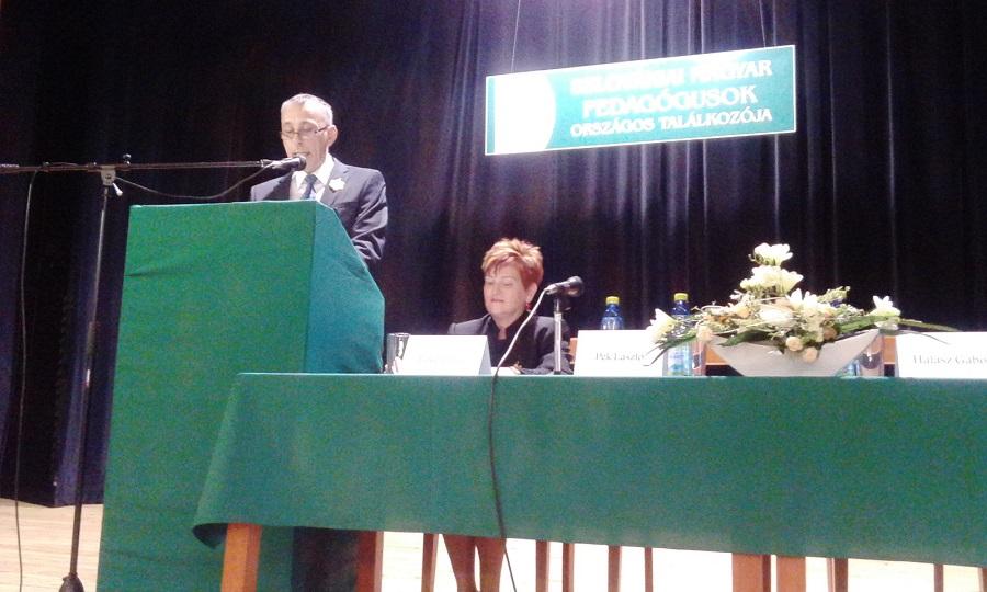 Jókai Tibor az SZMPSZ elnöke köszönti a résztvevőket