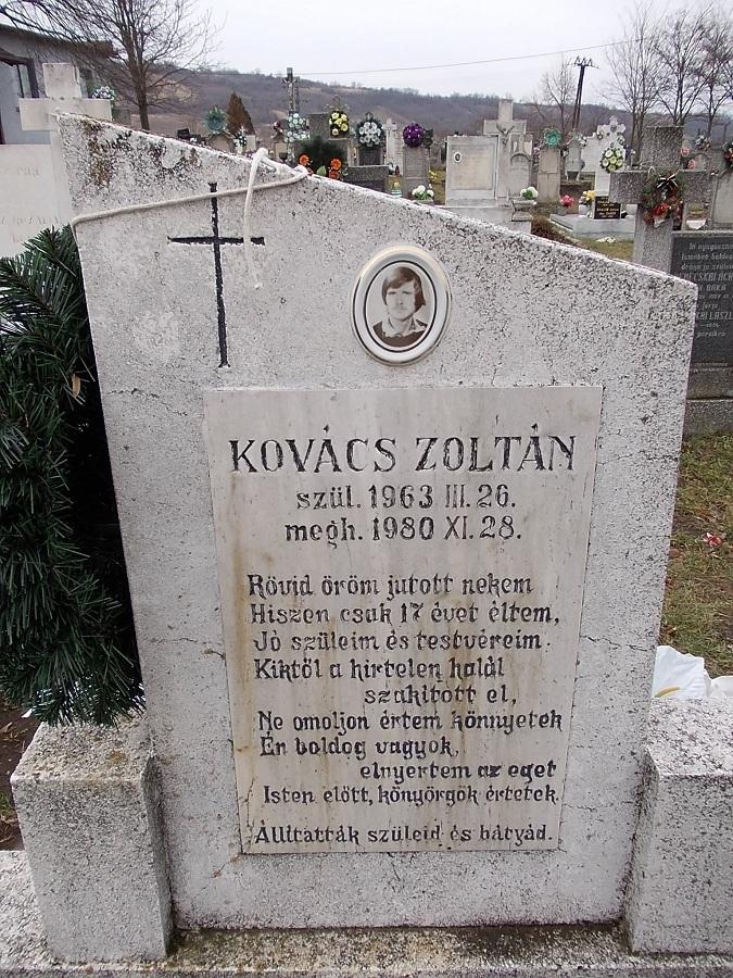 Kovács Zoltán fényképes sírjele. Csáky K. felv