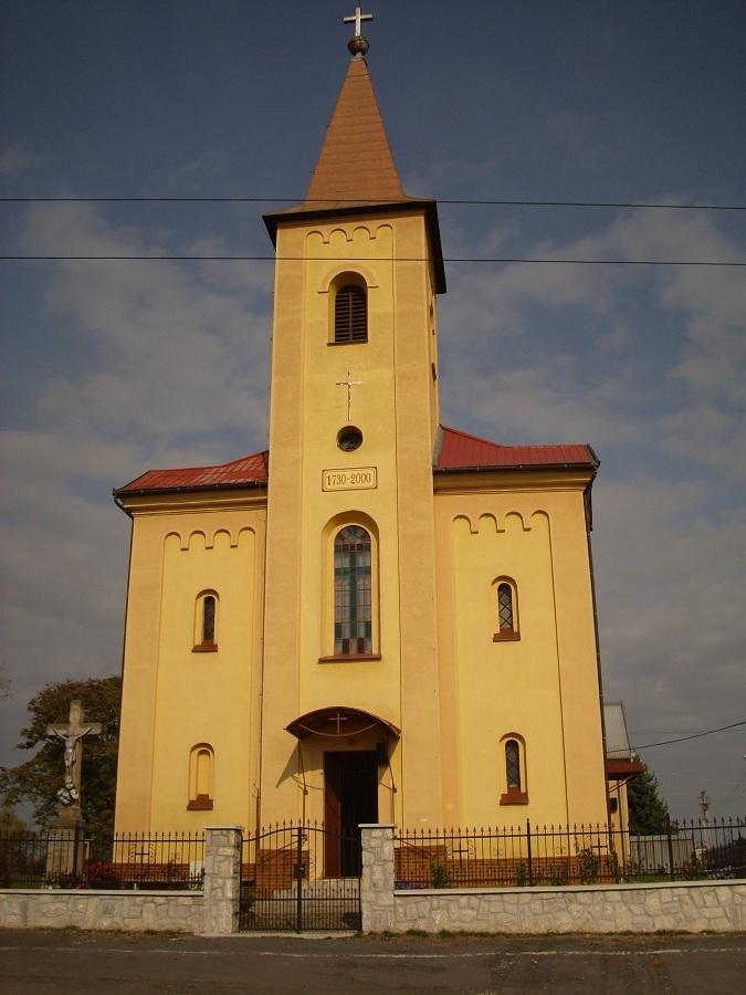 Leszenyei római katolikus templom