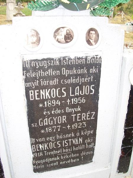 A Benkocs-sír dedikációja. Csáky K. felv. 1