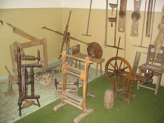 A kenderfeldolgozás eszközei a kastélyban