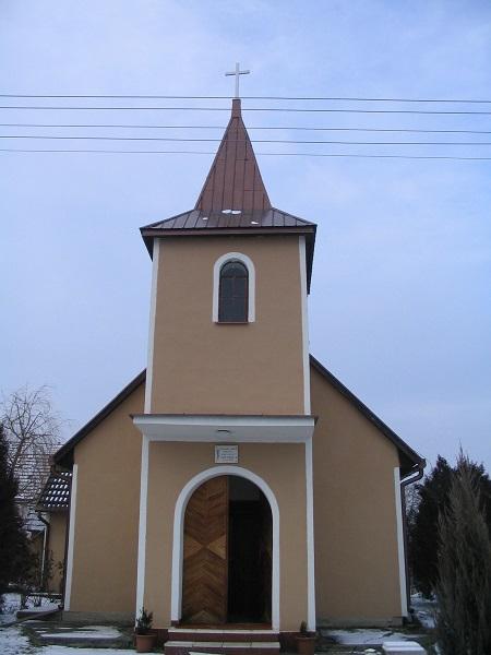 Az új katolikus templom Csáky Károly felvétele