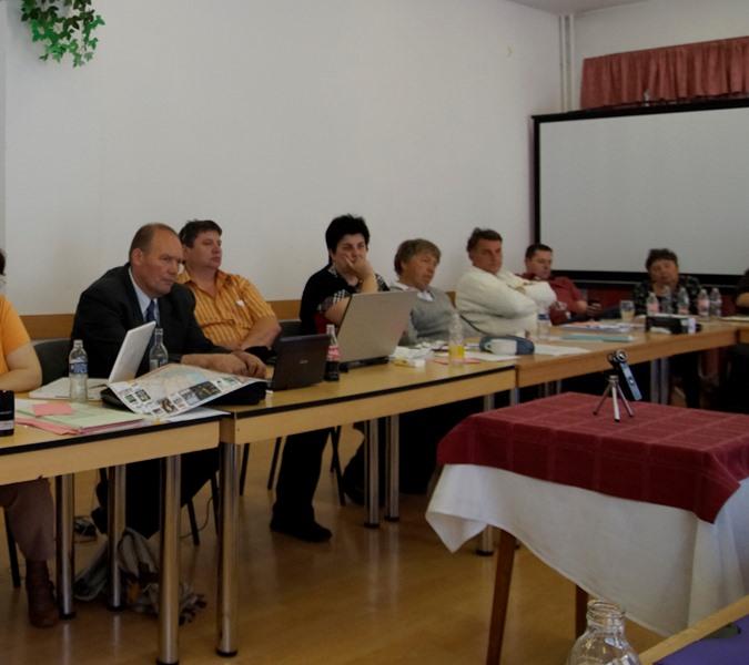 Pataki János a KCSSZ új elnöke balról