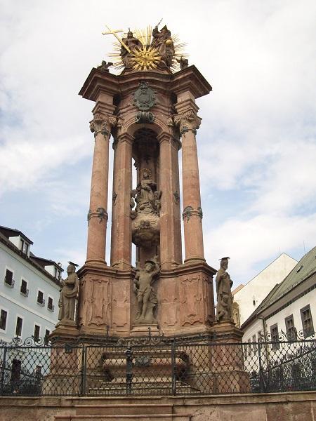 A Szentháromság-szobor Csáky Károly felvételén