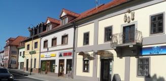 Korpona főutcája Havass Miklós felvételén