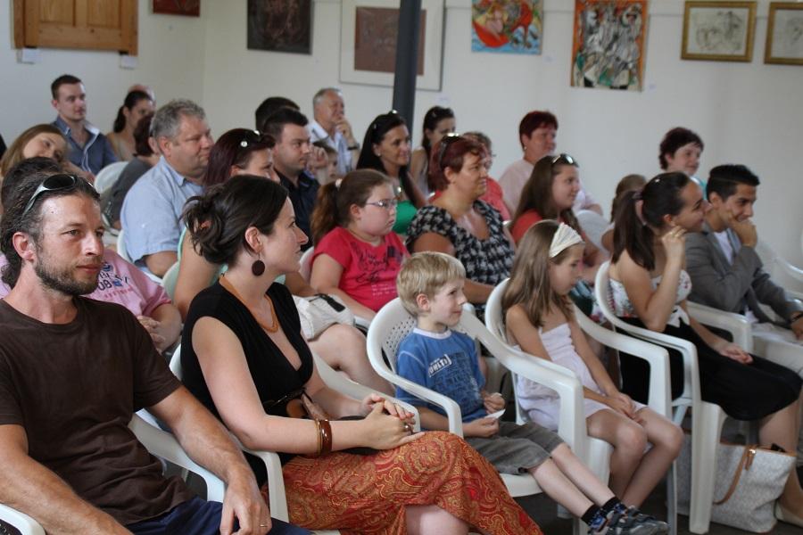 Lelkes közönség