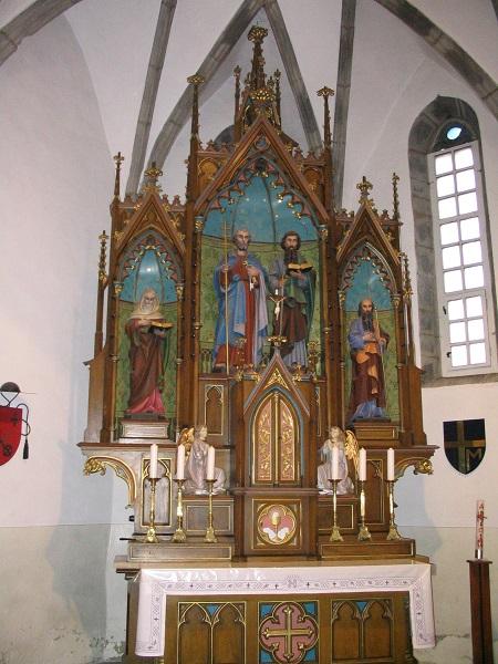 Szent Péter és Pál szobrai az egegi templomban Csáky Károly felvételén