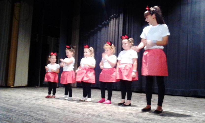 A Napsugár gyerektánccsoport legkissebbjei - a Hello Kitty csoport