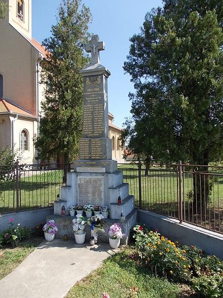 A Világháborús emlékmű Csáky Károly felvételén
