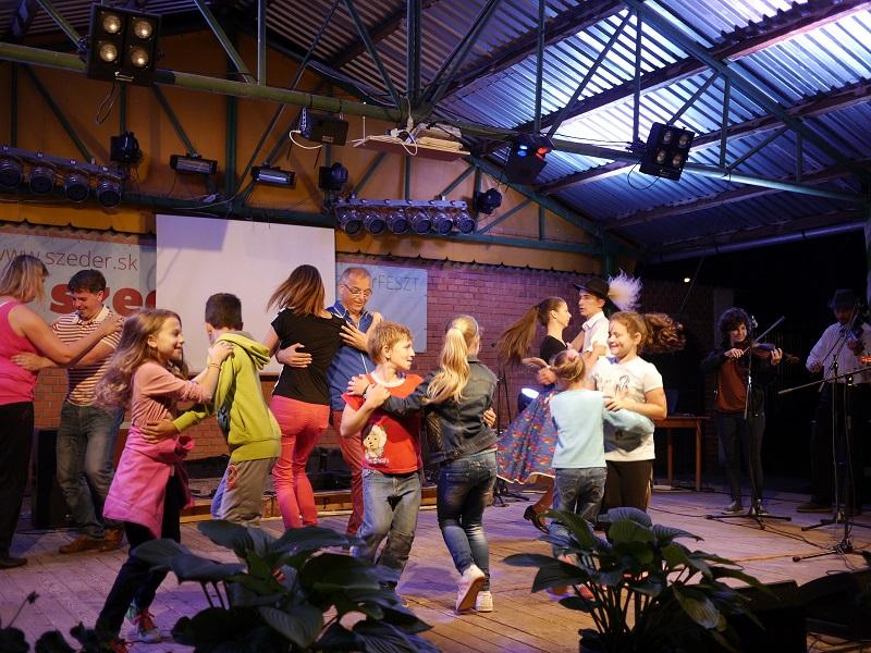 FolklC táncház