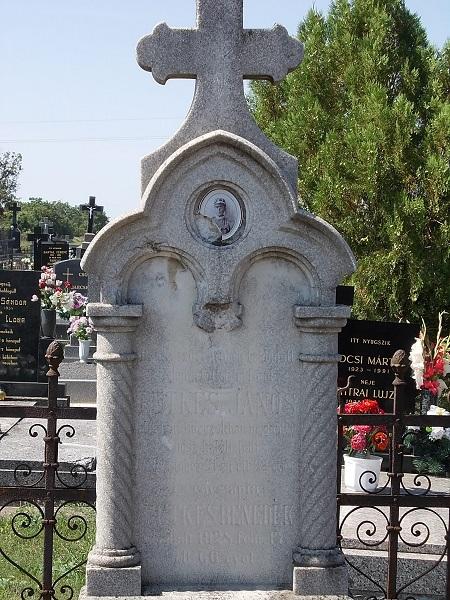 Retkes János honvéd családtagjáinak sírjele Csáky Károly felvételén