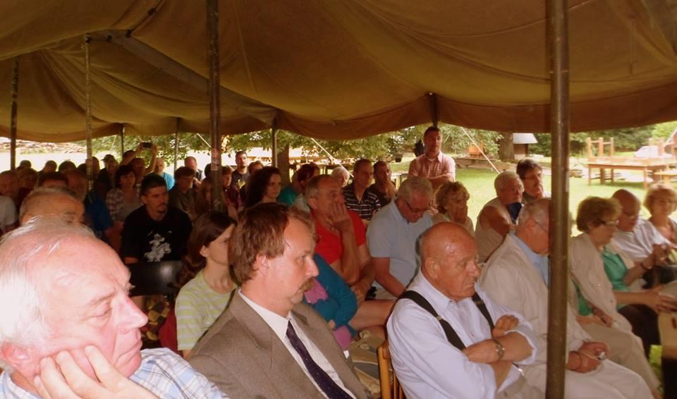 Közönség soraiban Szesztay Ádám kassai főkonzul