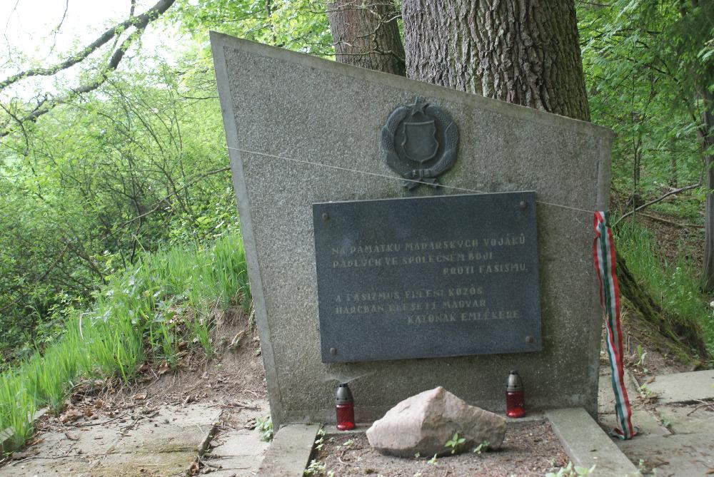 Koloděje - ma elhagyott a magyar emlékmű