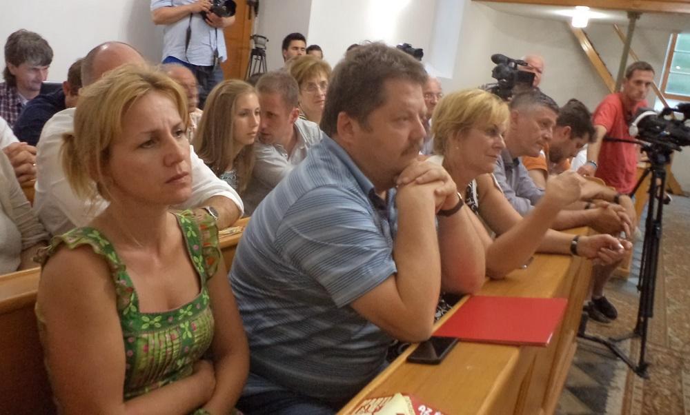 Szász Jenő és Czimbalmosné Molnár Éva nagykövet a közönség soraiban