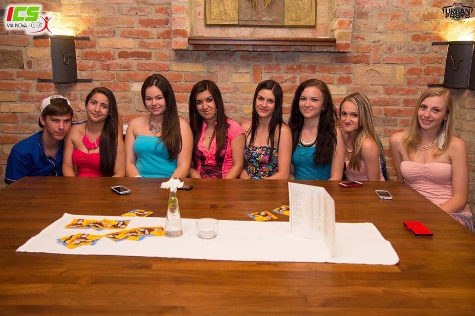 Szép lányok