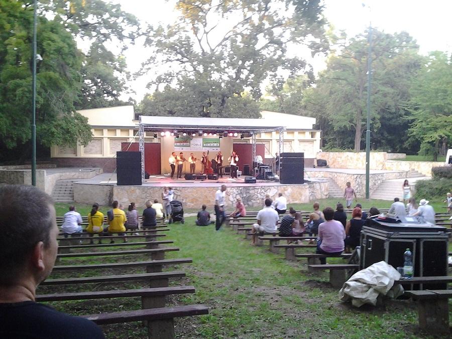 A Muzička zenekar fellépése