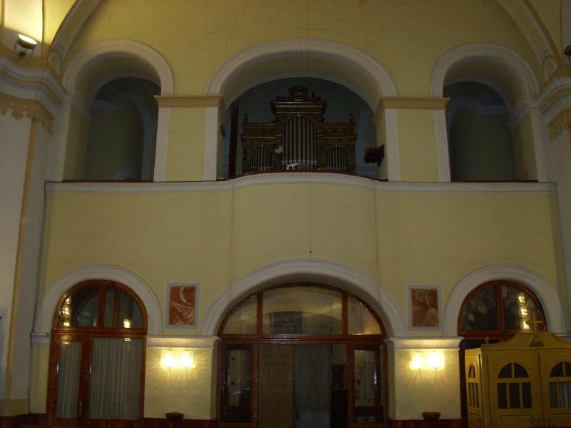 A templom karzata az orgonával a szerző felvétzelén