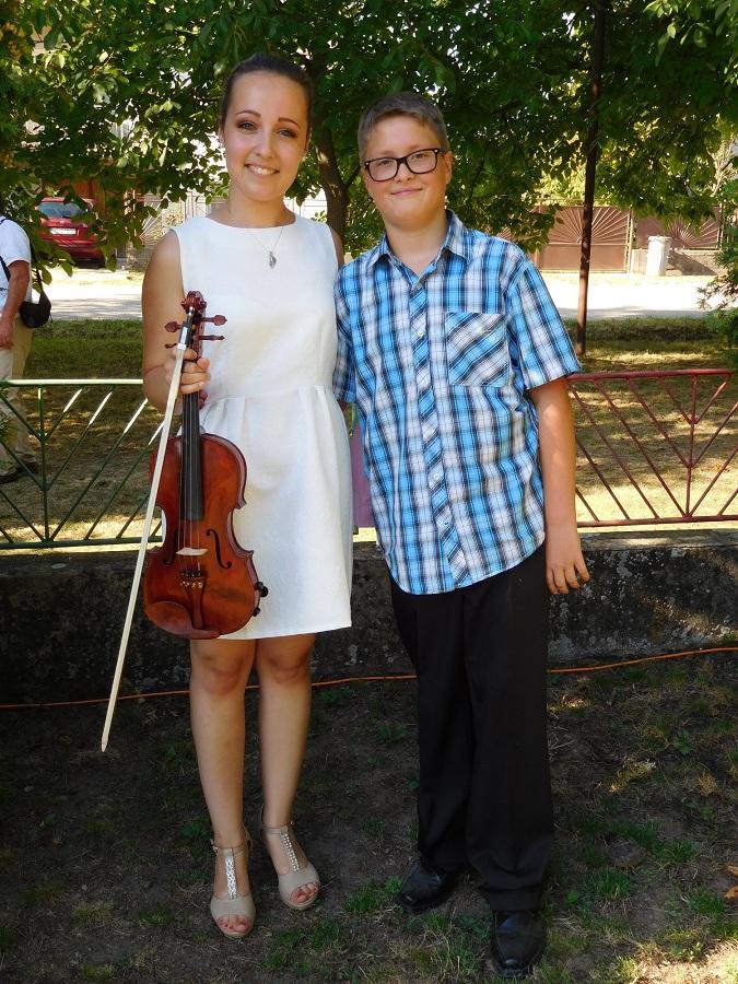 Kiss Flóra az ifjú hegedűművész