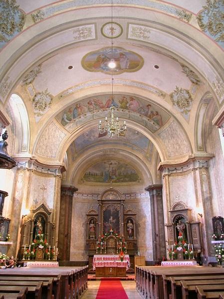 A kemencei templom szentélye