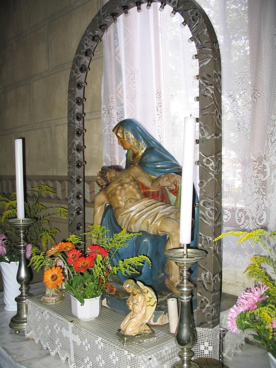 A nagycsalomjai templom Pietája Csáky Károly  felvételén