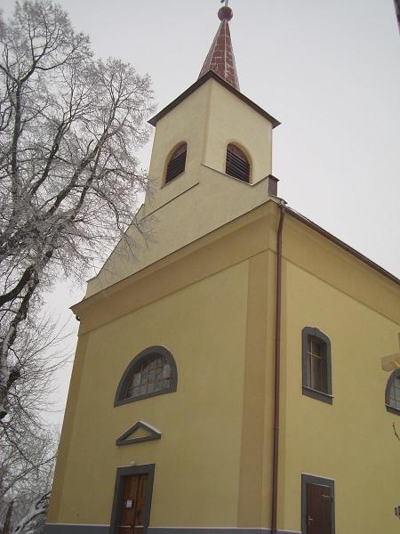 A pereszlényi templom Csáky Károly felvételén