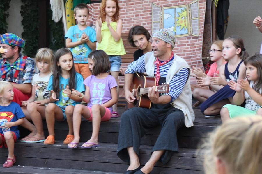 Roman Mihálka és a gyerekek
