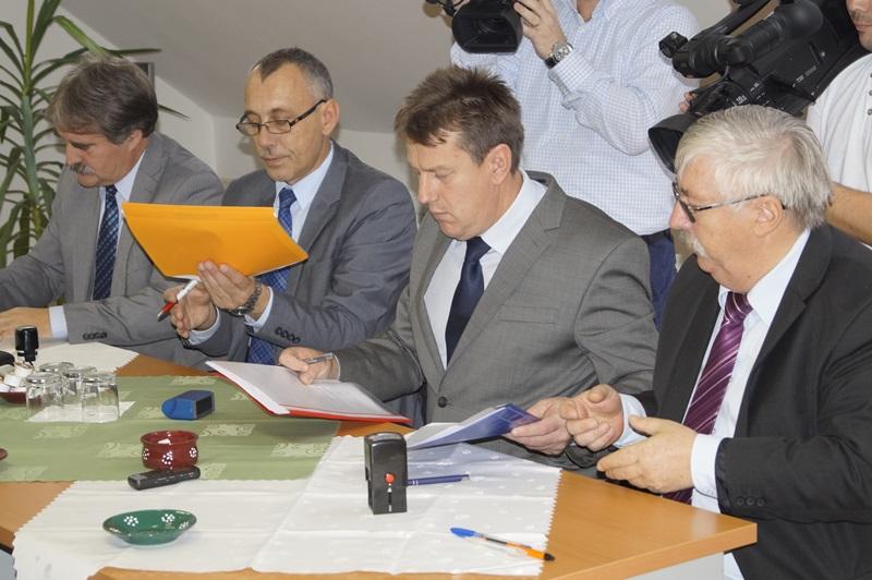 A dokumentum aláírása
