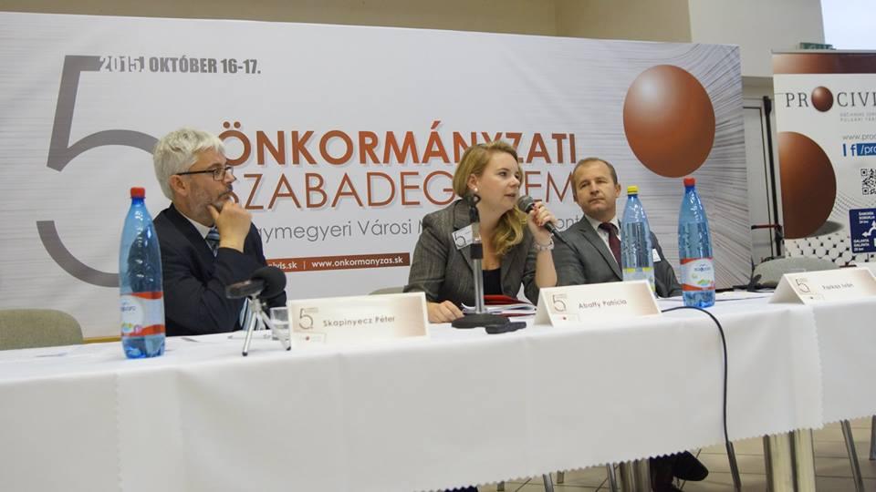 Abaffy Patrícia a Külgazdasági és Külügyminisztérium Európai Területi Társulásokért Felelős Osztályának vezetője válaszol a feltett kérdésekre