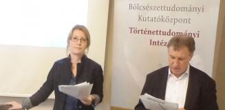 Alica Kurhajcova és a tolmács