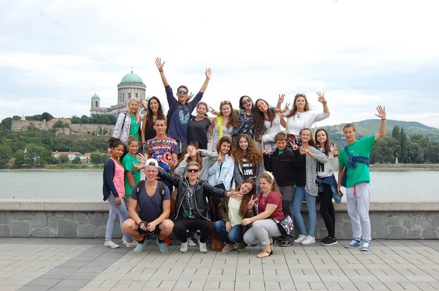 Az egyik ifjúsági csoport