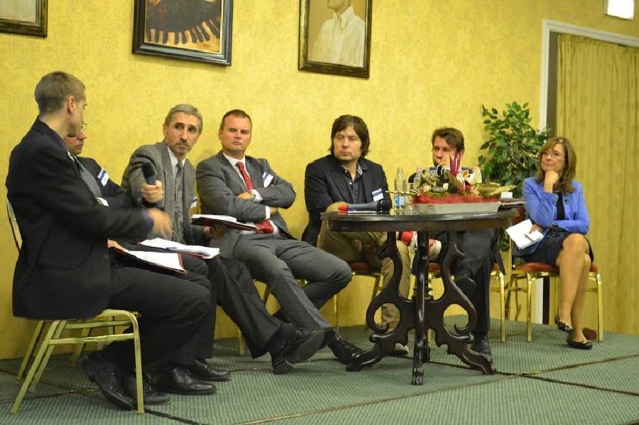 Lelkes Gábor a panelbeszélgetés egyik előadója