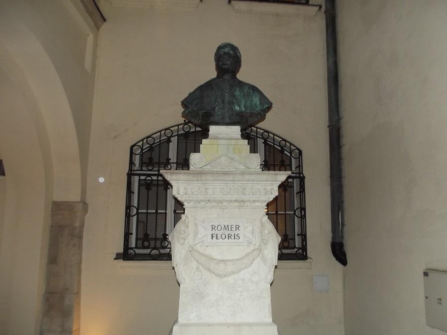 Rómer Flóris pozsonyi szobra