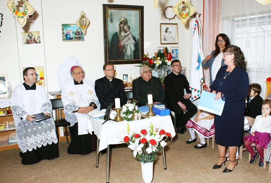 Az egyház képviselőinek mond köszönetet Vizi Katalin